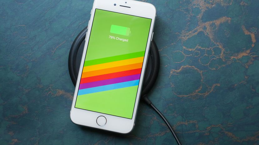 Iphone 8 features wireless charging capabilities