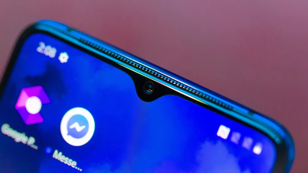 Speaker grill on the OnePlus 7T