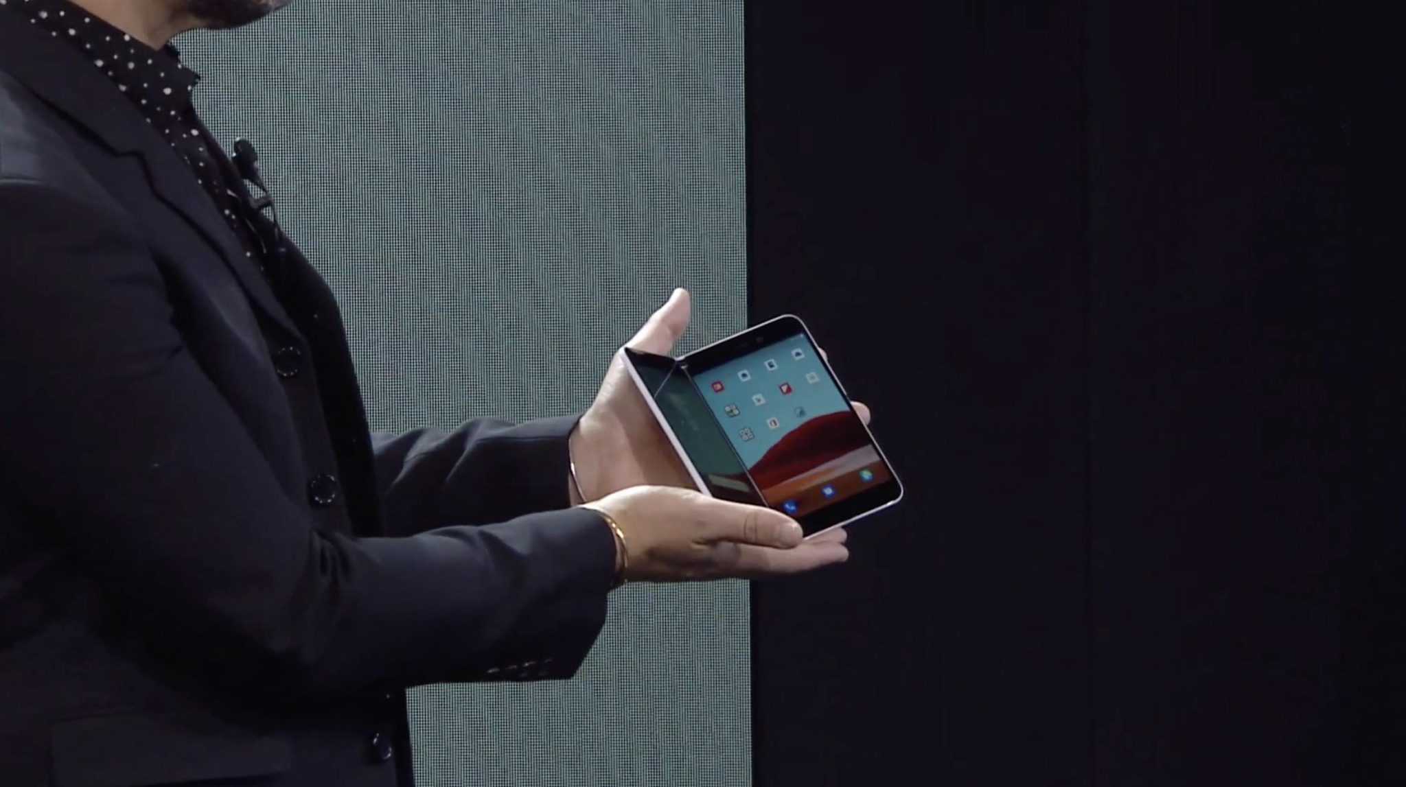 The new Microsoft Surface Duo will run on Android - Brumpost