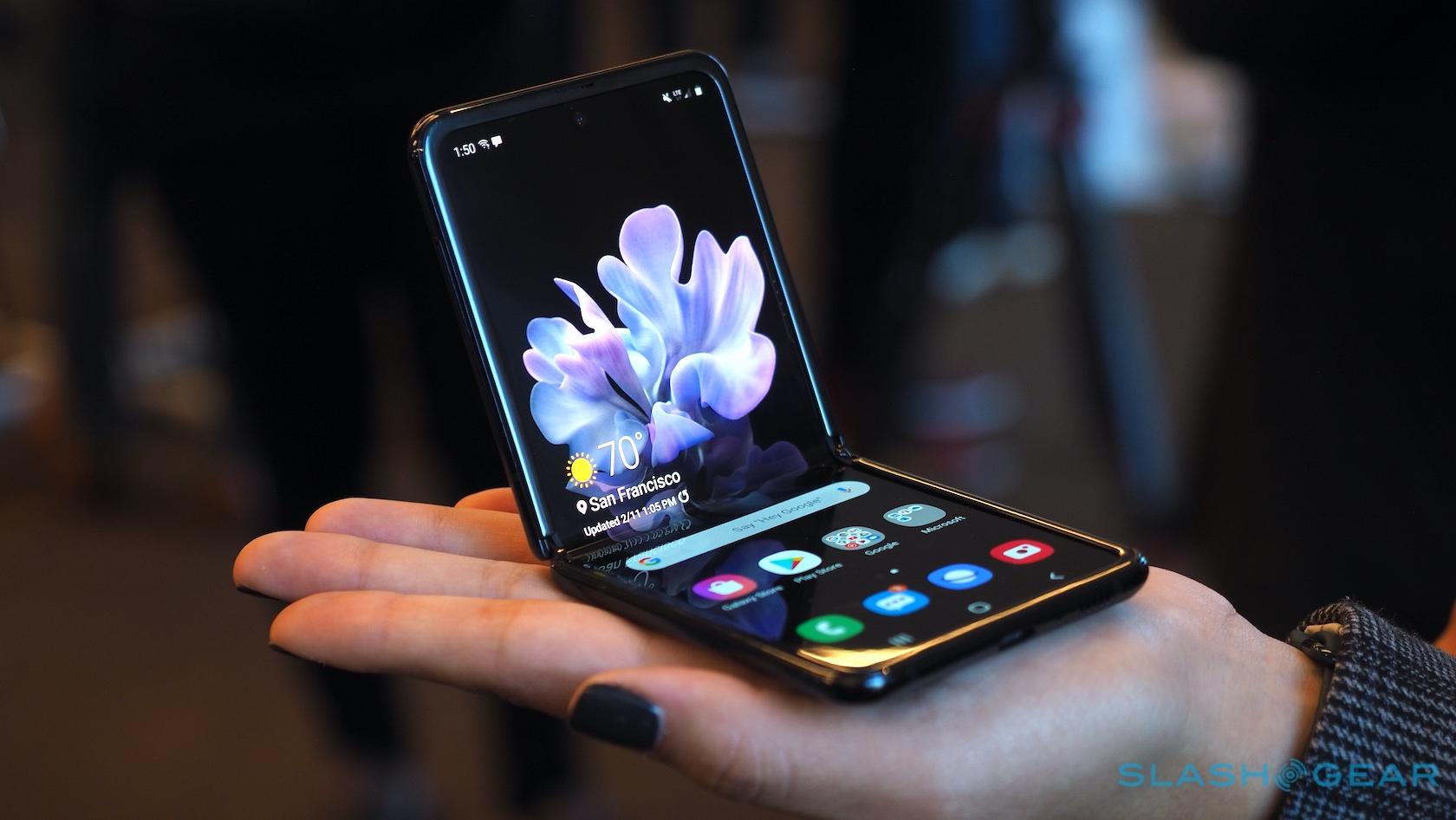 Galaxy Z Flip looks nice