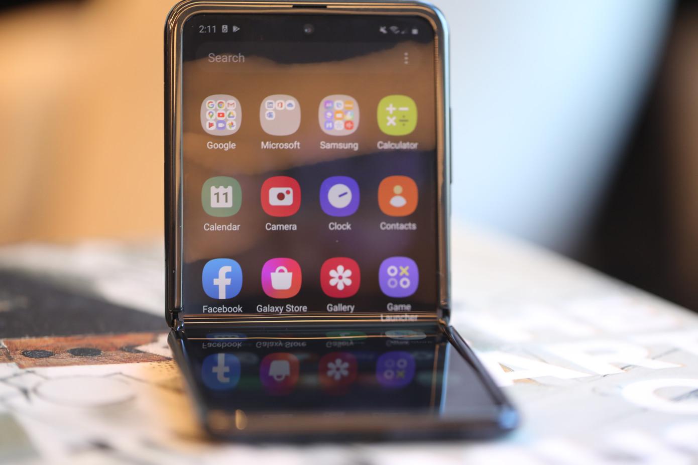Galaxy Z Flip opened on a desk