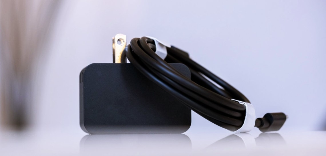 18W charger of the Microsoft Surface Duo