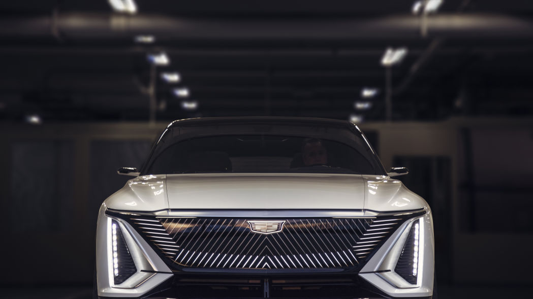 Cadillac Lyriq EV grlle